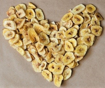 Dried bananas in shape of heart